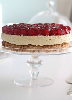 Her er noen Pins vi tror du vil like Cake Recipes, Dessert Recipes, Norwegian Food, Berry Cake, Sweets Cake, Just Cakes, Let Them Eat Cake, No Bake Cake, Love Food
