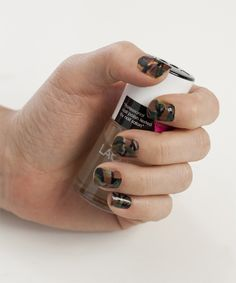 How to: Camouflage Nails