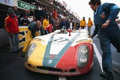 Porsche at 24 Hours of Le Mans 1970 Racing Team, Road Racing, Auto Racing, Sport Cars, Race Cars, Vintage Racing, Vintage Auto, Course Automobile, Le Mans 24
