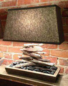 rangement du bois flotté pour lampe