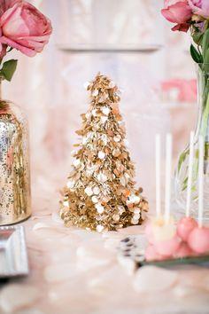 Tinsel garland tree