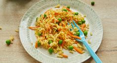 Rice with peas, carrots & egg | BabyCenter