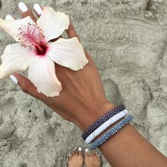 Sashka Co. | Save 25% off entire purchase and free shipping with coupon code 'BethJa25' | Glass beaded bracelets handmade in Nepal | Boho beach bracelets perfect for summer and festivals Coachella Burning Man Bunbury, great gifts for friends, moms, or jewelry lovers.