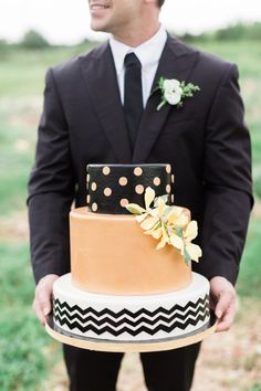 Pretty Cakes, Cute Cakes, Beautiful Cakes, Beauty And More, Halloween Wedding Cakes, Pumpkin Wedding, Amazing Wedding Cakes, Amazing Cakes, Wedding Sweets