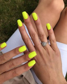Local tip: Neon nails are brightening up cloudy summer days in the UK. Local tip: Neon nails are brightening up cloudy summer days in the UK. More from my site 77 Bright Neon Nails to Try This Summer A little funny to brighten your day 😂🌟 Neon Yellow Nails, Neon Acrylic Nails, Bright Summer Acrylic Nails, Yellow Nails Design, Yellow Nail Art, Neon Nails, My Nails, Neon Nail Art, Pink Nails