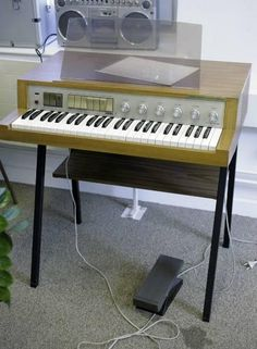 1960's PHILIPS PHILICORDA 22 GM752/01Z Orgel / Leslie - OUT in Wetzikon ZH kaufen bei ricardo.ch