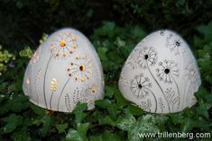 Balls of lights Balls of light - ceramic art creative workshop crafts Ceramic Lantern, Ceramic Decor, Ceramic Pottery, Ceramic Art, Creative Workshop, Creative Art, Art D'oeuf, New Crafts, Arts And Crafts