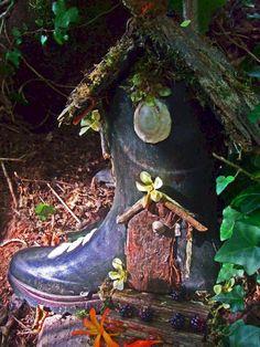 Best diy miniature fairy garden ideas (73) #artsandcraftsgoogle,