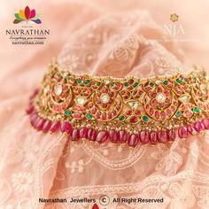 Indian Bridal Jewelry Sets, Indian Jewelry, Jewelry Patterns, Antique Jewelry, Jewels, Kundan Set, Neck Choker, Hyderabad, Anarkali