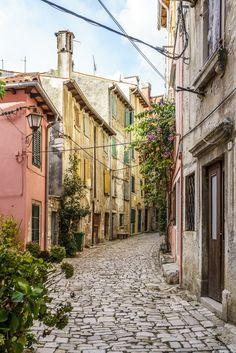 The streets of Rovinj / Most beautiful place in Istria Beautiful Streets, Most Beautiful, Beautiful Places, Southern Europe, Roadtrip, Bosnia, Macedonia, Montenegro, Slovenia