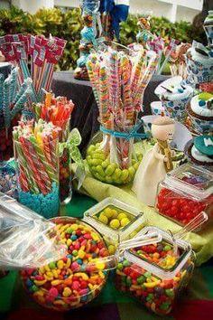 53 Trendy Ideas For Bridal Shower Themes Summer Candy Buffet Dessert Bars, Dessert Table, Candy Buffet Tables, Buffet Ideas, Bar A Bonbon, Festa Party, Snacks Für Party, Sweet 16 Parties, Candy Party