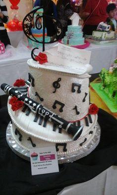 nuevas tendencias en decoracin de tortas hermosas tortas de comunin con cupcakes nuevas tendencias en decoracion de tortas pinterest
