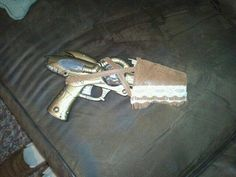 My #steampunk pistol and holster :D Just need to add some gears and I'll be ready for AnomalyCon :D