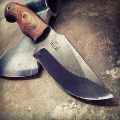 Cool Knives, Knives And Tools, Knives And Swords, Blacksmithing Knives, Knife Making Tools, Throwing Knives, Best Pocket Knife, Survival Knife, Survival Tools