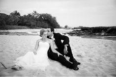 Laura & Ben :: Oahu, Hawaii { Modern Wedding } » Modern Weddings Hawaii Destination Bride Inspiration Hawaii Wedding Vendors
