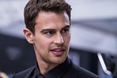 """Theo James at the Allegiant New York Premiere yesterday | (via theojamesbrasil.com) #theojames"""