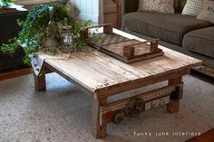 DIY Furniture : DIY My new junk styled pallet wood coffee table