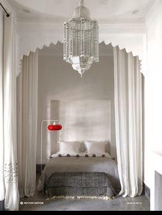 Marrakech bedroom by designer Romain Michel-Meniere in ELLE Decor Jan/Feb 2014 issue. Photography by Richard Powers