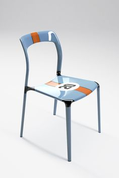 Gulf Special Edition - Ch.AIR by Laisr is made utilizing an innovative manufacturing process involving hollow molded carbon fibre elements connected by compression molded carbon fibre lugs. This technology makes for a chair that not only is extremely light, but also unusually strong and durable.   Lead time for this product is 10 - 15 weeks as it is manufactured to order.