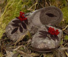 Обувь ручной работы. Ярмарка Мастеров - ручная работа. Купить тапочки валяные. Handmade. Серый, тапочки валяные, шерсть