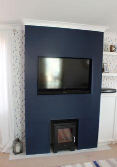 Dark Navy Blue Paint - Urban Home Designing Trends Navy Living Rooms, Accent Walls In Living Room, Living Room With Fireplace, New Living Room, Living Room Decor, Dining Room, Blue Accent Walls, Navy Blue Walls, Chimney Decor