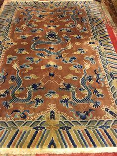 Bellissimo tappeto Cina draghi Ningxia, epoca primi '900, misure 185x285 c/a. In ottime condizioni. Prezzo: €.11.500,00