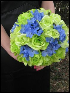 green roses, blue hydrangea bouquets | photo