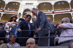El Rey Juan Carlos I, el mejor defensor del toreo - http://www.elmundo.es/album/cultura/2014/06/02/538c87abca4741df2a8b4577.html
