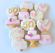 A gift for a birthday. 50th Birthday Party Decorations, 50th Birthday Gifts, Birthday Cookies, 50th Party, Birthday Crafts, Mom Birthday, Birthday Parties, Iced Cookies, Cute Cookies