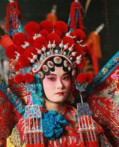 ethnoworld:    Beijing Opera Costumes,China