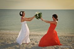 Bride and Maid of Honor pictures! Awww<3   needs to happen!