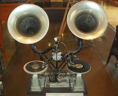 Steampunk DJ setup??? What is this... The Gaumont Chronophone System of 1910 – for continuous playback on films.