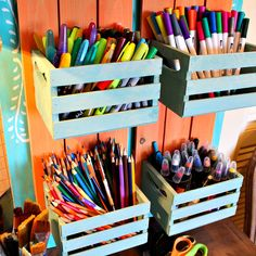 Mini Crate Art Supply Organizer DIY You are in the righ Summer Arts And Crafts, Arts And Crafts For Adults, Arts And Crafts House, Easy Arts And Crafts, Crafts For Boys, Arts And Crafts Interiors, Arts And Crafts Furniture, Art And Craft Videos, Organization Ideas