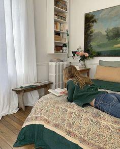 Room Ideas Bedroom, Bedroom Decor, Pretty Room, Pretty Hair, Aesthetic Room Decor, Beige Aesthetic, Aesthetic Vintage, Home And Deco, Dream Rooms