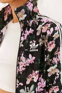 Sporty Outfits : Description ADIDAS - All Day I Dream About Summer! Love this feminine Orchid Track Jacket! Good for working out and going out! Mode Outfits, Sport Outfits, Casual Outfits, Winter Outfits, Look Fashion, Fashion Women, Fashion Trends, Winter Fashion, Floral Fashion