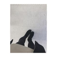 A little more of this please // Honey comb tiles seen at @boxpark, would look lovely in a bathroom used here as a store flooring with a laboratory theme #interiordesign #designdecor #flooring #designdeinterior #honeycomb #haxegon #tiles #bathroom #shoreditch