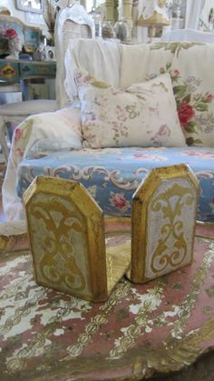 Beautiful pair italian book ends by whitecottageinhills on Etsy, $35.00
