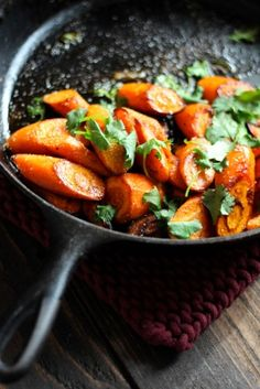 Cast Iron Carrots with Curry & Cilantro.have made this twice now and just love what curry powder and cilantro does to carmelized carrots.this recipe is now on my rotation list. Food Network Recipes, Cooking Recipes, Healthy Recipes, Clean Eating, Healthy Eating, Healthy Food, Cast Iron Recipes, Think Food, Cast Iron Cooking