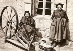 French picture, interesting wheel