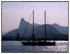 Baía de Guanabara, com o Corcovado ao fundo.