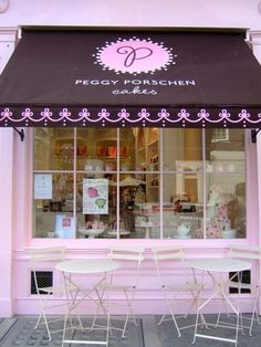 *Peggy Porschen Cakes Love this store front. Cafe Bar, Cafe Shop, Shop Front Design, Store Design, Boutique Patisserie, Peggy Porschen Cakes, Cute Bakery, Bakery Store, Cupcake Shops