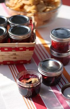 PIE IN JARS...LOVE IT!
