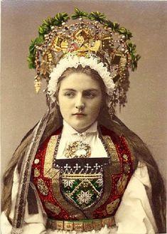 Hardanger Bride. Photo by Solveig Lund
