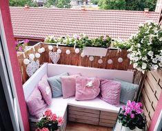 Build Balcony Sofa: Tips and DIY Ideas for a Sofa from Pallets - Latest Decoration - Balkon - Design Rattan Furniture Palette Table, Palette Furniture, Furniture Design, Diy Sofa, Balcony Furniture, Outdoor Furniture Sets, Sofa Design Images, Old Tables, Balkon Design