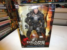 GEARS OF WAR 2 13 INCH MARCUS FENIX FIGURE WITH ACCESSORIES. LIGHT-UP ARMOUR