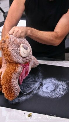Here's a super fun way to preserve childhood memories... Before you get rid of your kiddo's old/damaged teddy ~ 1. Un-stuff. 2. Light spray paint. 3. Press onto paper/canvas... A great idea!