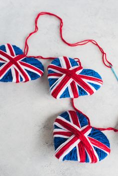 Union Jack Yarn Heart Garland #yarncrafts #stashbuster Yarn Crafts For Kids, Toddler Crafts, Projects For Kids, Craft Projects, Craft Ideas, Union Jack Decor, British Party, International Craft, Crochet Bunting