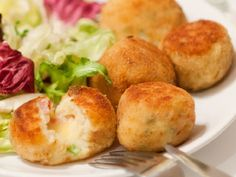 Traditional British croquettes used Lancashire cheese, so we've created this version using the wonderfully crumbly Shorrock's Lancashire Bomb. Diabetic Recipes, Baby Food Recipes, Vegan Recipes, Cooking Recipes, Fast Healthy Meals, Healthy Snacks, Easy Meals, Toddler Meals, Kids Meals