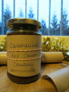 The Cake Hunter: Christmas Countdown Gifts: Caramelised Red Onion Chutney Christmas Food Gifts, Christmas Hamper, Xmas Food, Homemade Christmas Gifts, Christmas Cooking, Christmas Countdown, Homemade Gifts, Christmas Goodies, Red Onion Chutney