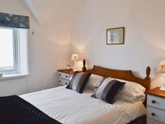 Holiday Accommodation, Isle Of Wight, Bed, Furniture, Home Decor, Decoration Home, Stream Bed, Room Decor, Home Furnishings